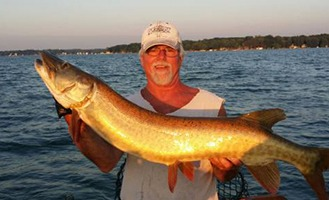 Fall muskies Pewaukee Lake Waukesha Pewaukee Current