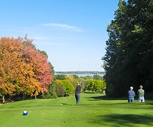 aga-Waukee-Golf-Course-in-fall-currents-blog