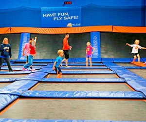 Skyzone-Milwaukee-Waukesha-Pewaukee-Currents