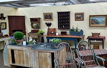 Lake-Country-Antiques-Show-&-Sale-Apr.-26-28-Waukesha-County-Expo-Center