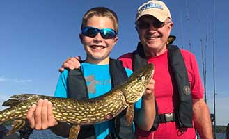 Fishing-Pewaukee-Lake-guides--Waukesha-Pewukee-Currents